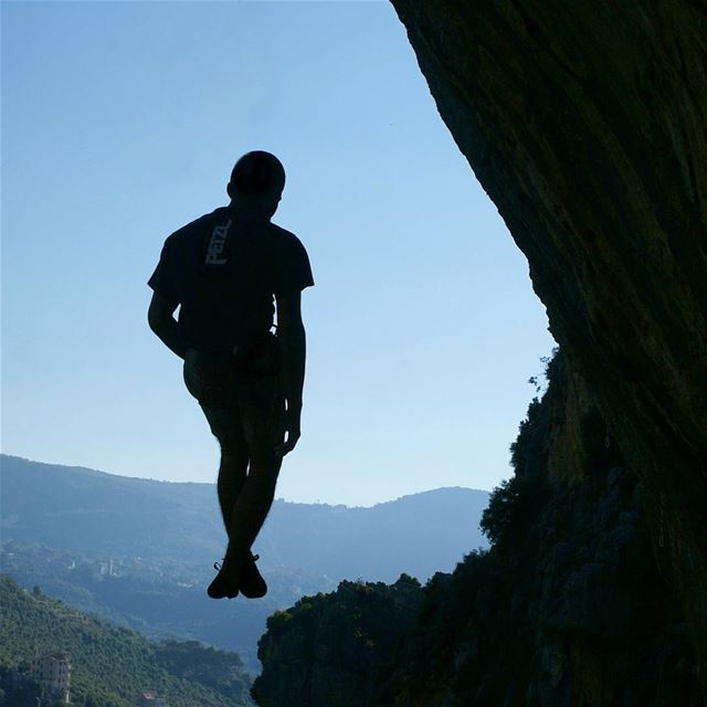 I'd risk the fall, just to know how it feels to fly. climb climbing ... (Tannourine)