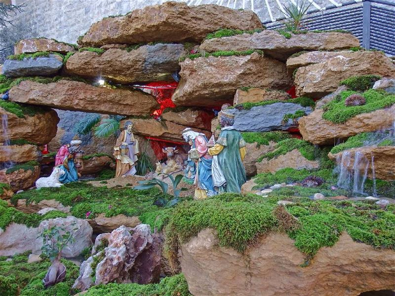 I will honor Christmas in my heart, and try to keep it all the year. ... (Harîssa, Mont-Liban, Lebanon)