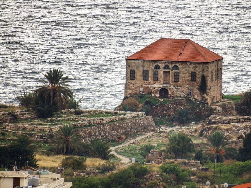Traditional  Lebanese  house overlooking the Mediterranean sea,  Byblos.... (Byblos, Lebanon)