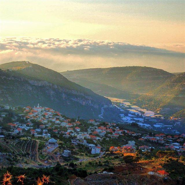 insta_lebanon ig_lebanon proudlylebanese Jackharbphotography ... (Douma, Lebanon)