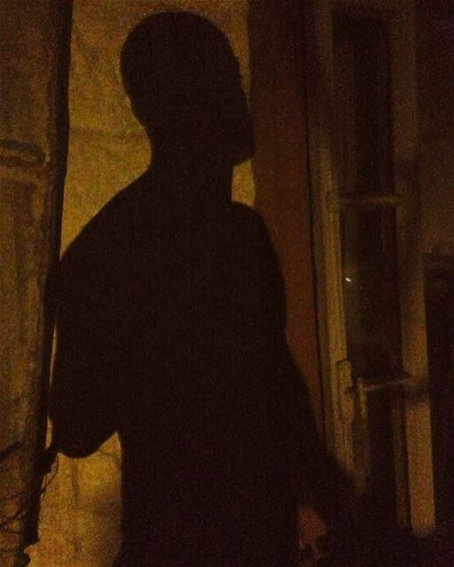 But I hide behind the color of the night... me night shadow wall ...