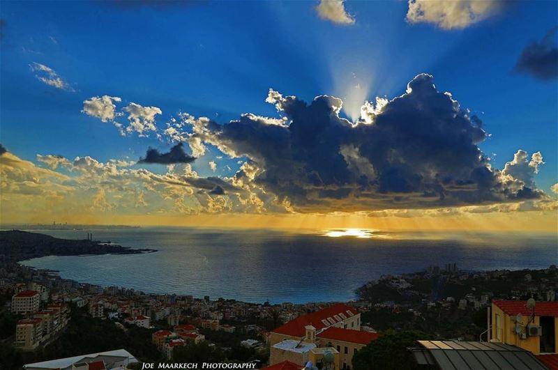 Lebanon's sunset❤️ Jounieh bay from Ghazir! sunset jounieh ghazir view... (Jounieh - Lebanon)
