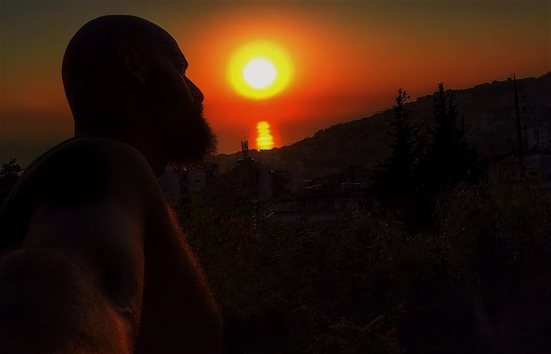 Trying to kiss the sun...  sunset  me  trying  to  kiss  the  sun  sea ...