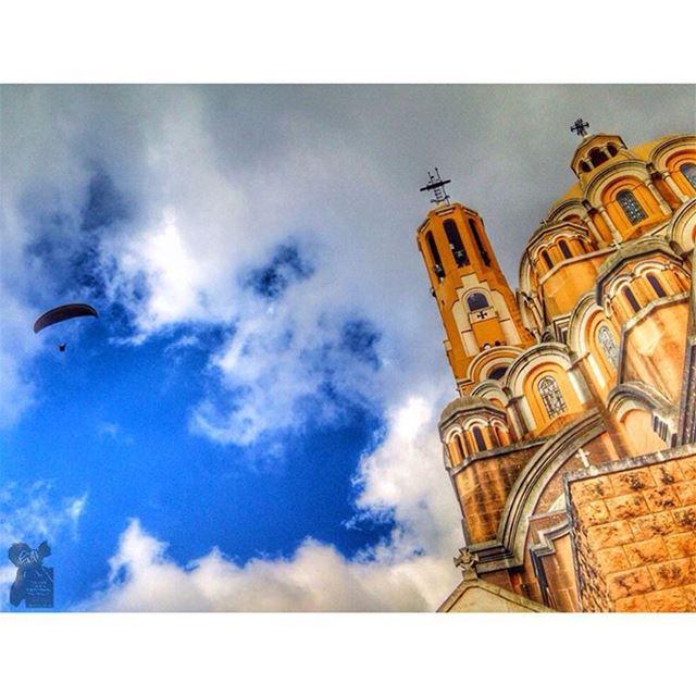 Harisa... lebanon parapente harissa sky clouds church ...