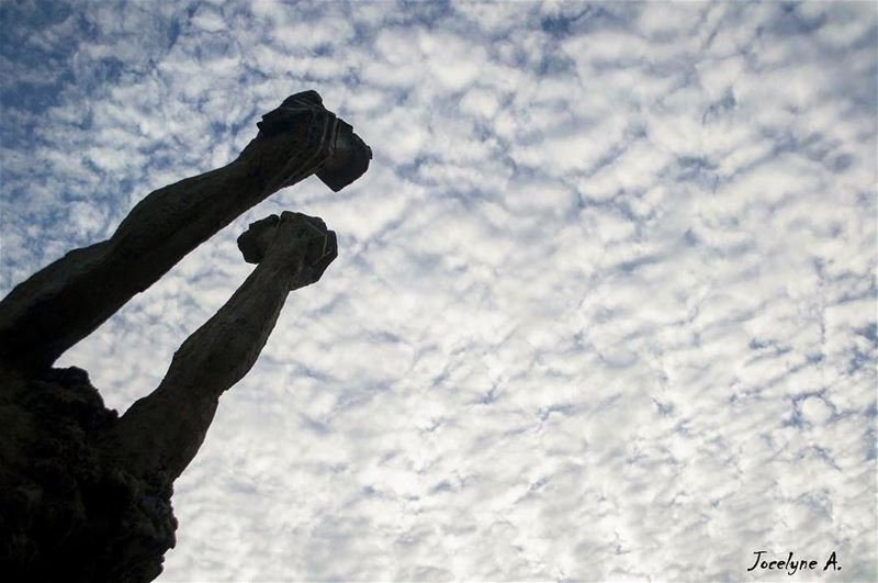 Sometimes I just look up and Smile... jbeil photosoflebanon lookup ... (Byblos - Jbeil)