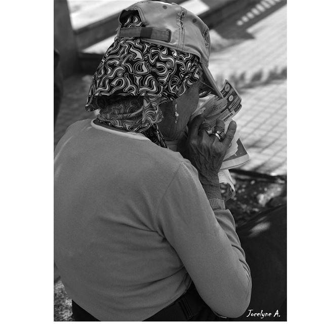 These tired hands💓 hand tired workinghard monochrome blackandwhite ... (Bourj Hammoud Stadium)