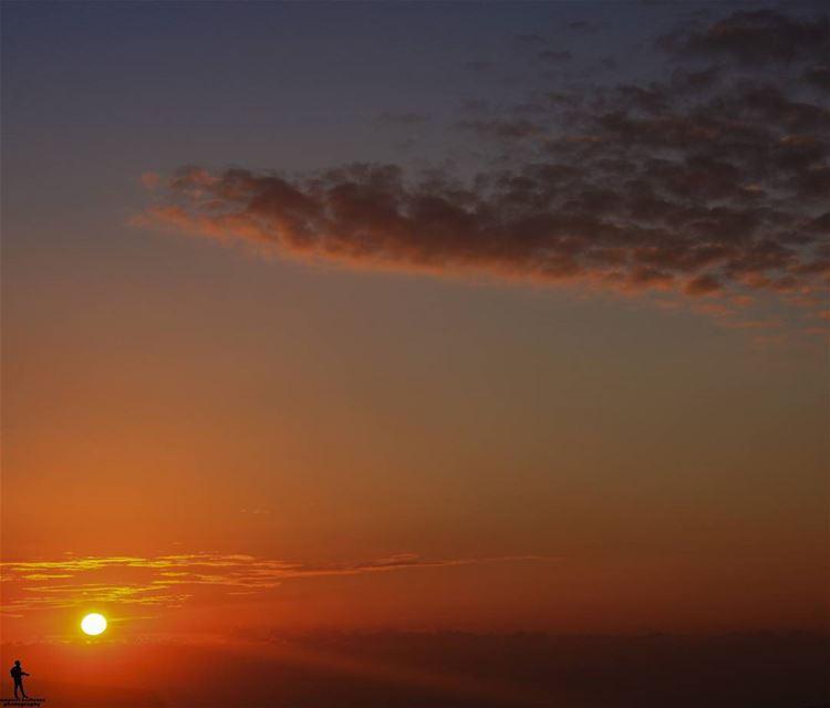 Beautiful sunsets needcloudy Skies sky sunset🌅 paradise chouf...