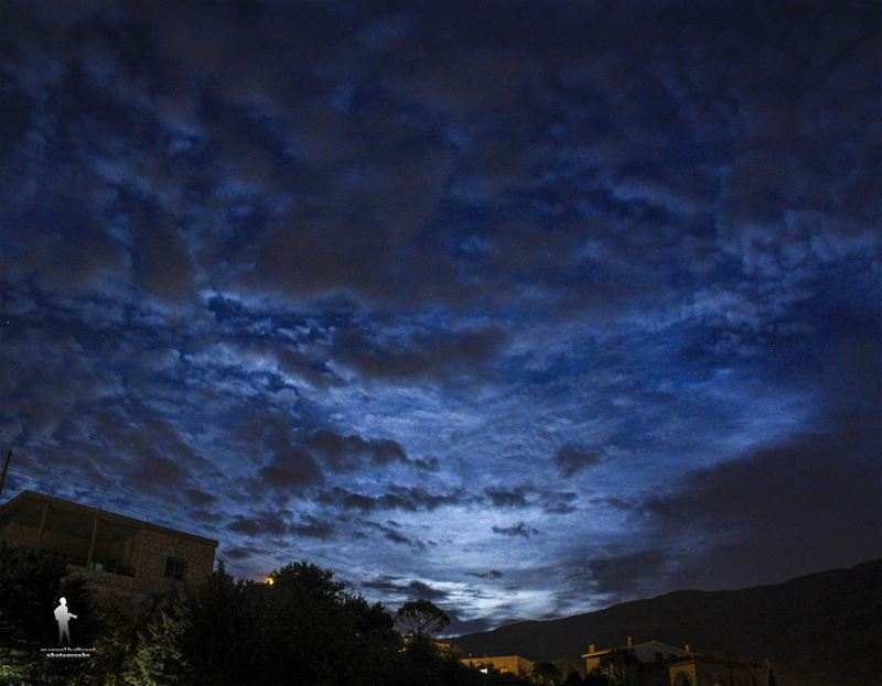 The sky is the daily bread of the eyes. nightveiw clouds moon chouf...