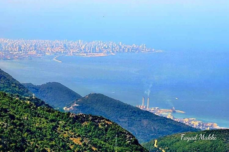 بيروت من جبل موسى