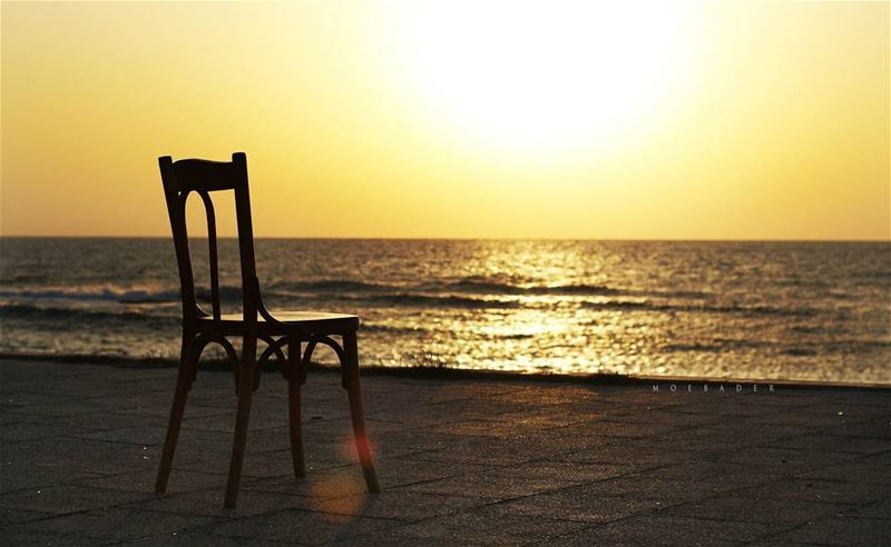 ••Be Here Now!!⛱ happyweekend happysunday sun sunset beachview ... (Tyre, Lebanon)
