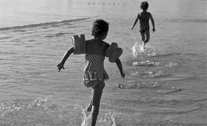 •R U N• black blackandwhite beach summer goout livelovetyre ... (Tyre, Lebanon)