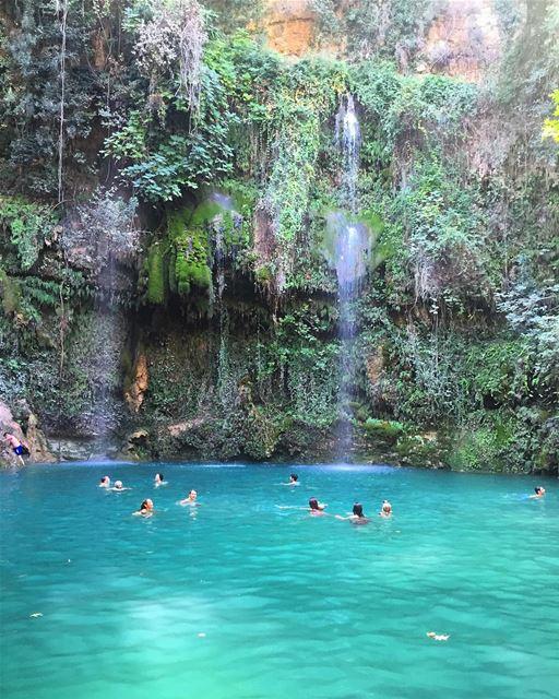 Take me back to the blue falls 💙💚💦. (Paradise - Baaklin)