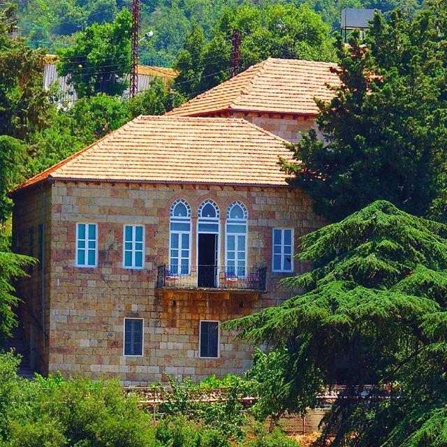 Spotted at kfour el arabi insta_lebanon ig_lebanon proudlylebanese ... (Kfour Al Arabi)