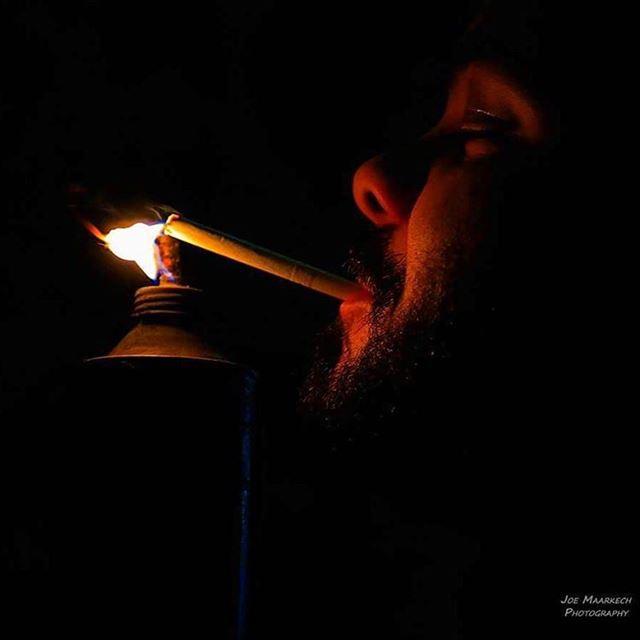 دوّرها دوّر دوّر وعطيني شحطا... light cigarette night camping ... (Chahtoul Camping)