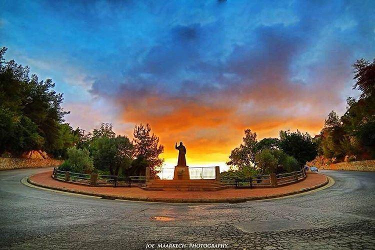 Ghazir sunset...❤️ ghazir liveloveghazir keseruan sunset statue ... (Ghazir, Mont-Liban, Lebanon)