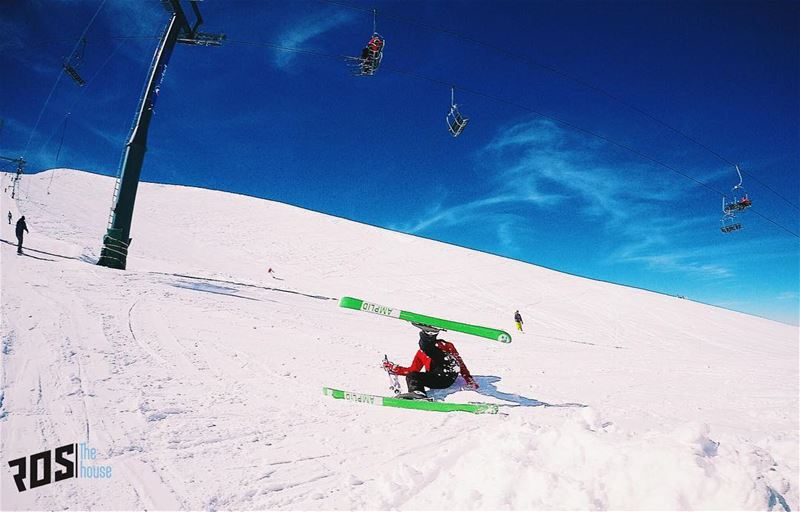 Today is the first wipeoutwednesday to be featured on @rosthehouse .... (Mzaar Kfardebian Ski Resort)