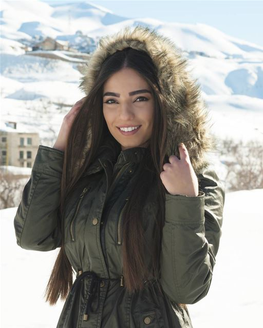 The beauty😍 @stephanieekhater••• faraya stephanyKhater photoshoot ...