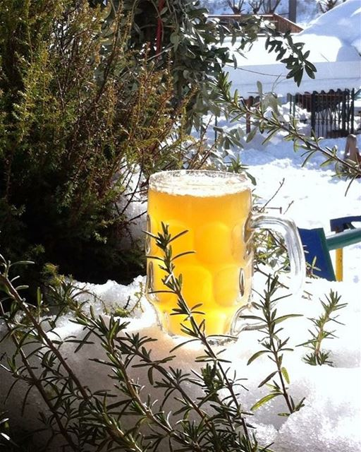 C'est la vie...💁🏽 cestlavie snow beer view green nature enjoylife... (Mayruba, Mont-Liban, Lebanon)