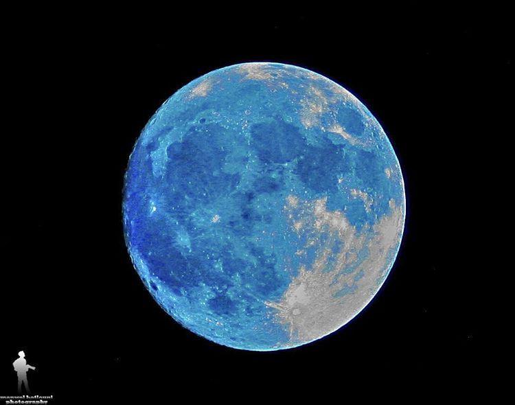 The full amazing moon.Canon camera Zoom 300 moon chouf jbaa lebanon...