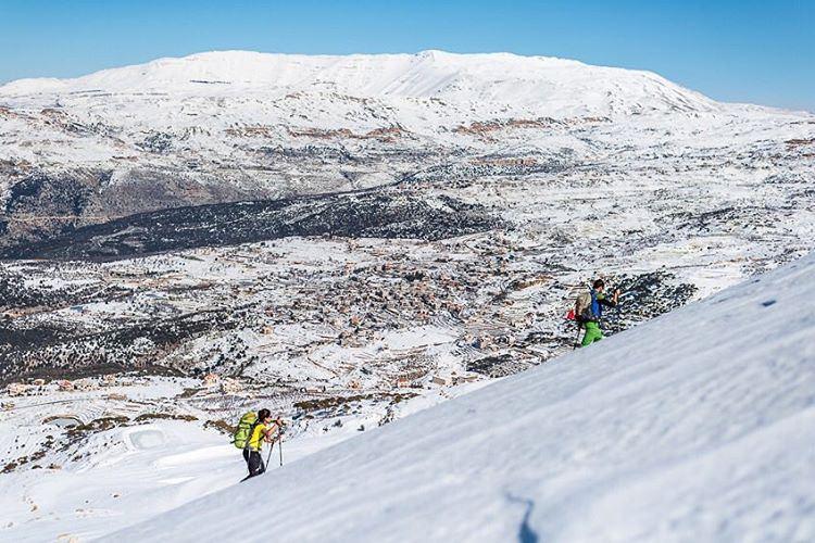Up the hill ❄️ lebanon falougha snow snowshoeing mountains neige ... (Falougha, Mont-Liban, Lebanon)