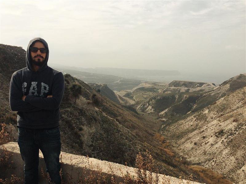 Só alguns metros acima do mar mediterrâneo 🇱🇧 bishmizzine libano ... (Bishmizzi, Liban-Nord, Lebanon)