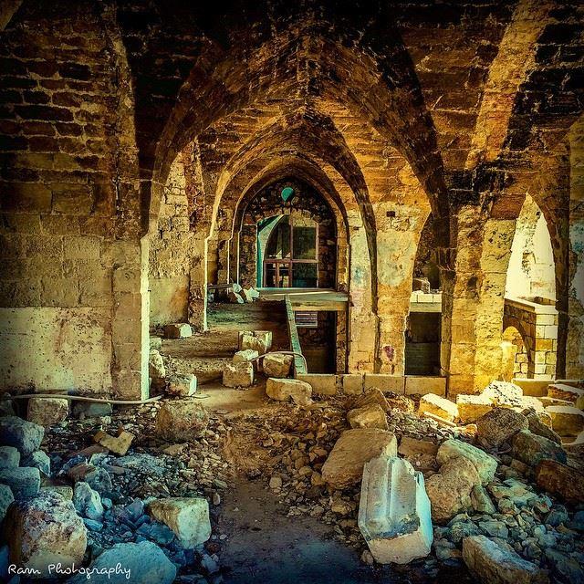 Dis..est ce que tout ça va changer..? Pour habiter ma solitude de mon... (Batroun,Lebanon)