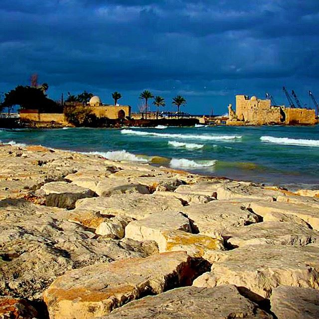 south  lebanon  saida  sea  castle  fortresse  rocks  shore  igers  insta...