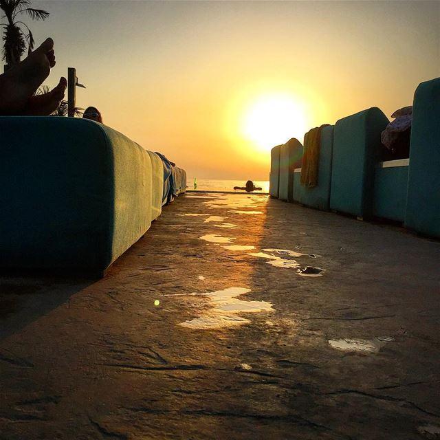 Golden hour at Iris Beach Club✌️ electricsundown ... (Iris Beach Club)