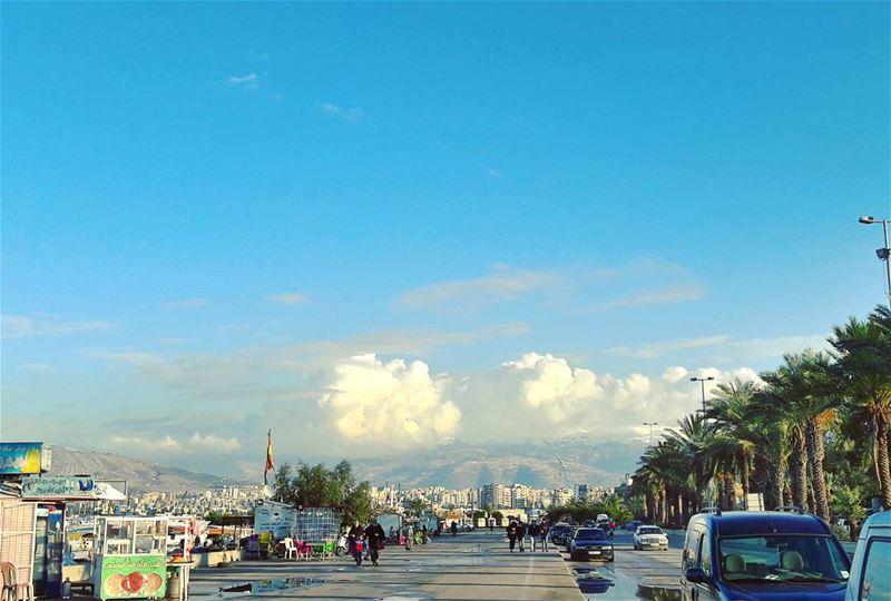 A motivational view to walk on Tripoli's corniche ✌ Tripoli TripoliLB ... (Kornich El-Mina)