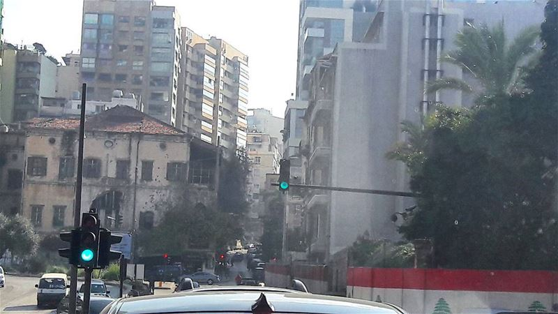 And finally a green light appears to save the rest of my day 😅 Traffic... (Beirut, Lebanon)