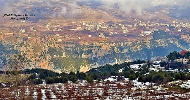 Hello from Bsharri district❄❄❄   Like my photography Facebook page ╰▶ Abed... (Bcharri, Liban-Nord, Lebanon)