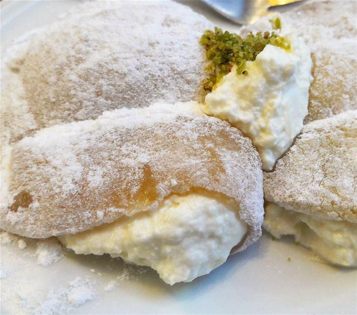 One of the most delicious Tripolitan sweets: Halawet El Shmayseh. Soooo... (Tripoli, Lebanon)
