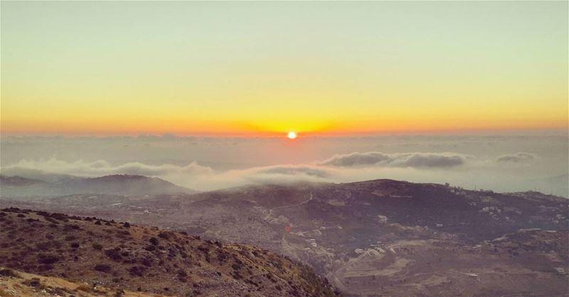 A fascinating sunset to watch 🌅 WOW Sunset Lebanon Lebanese ... (Bkaa Safreïn, Liban-Nord, Lebanon)