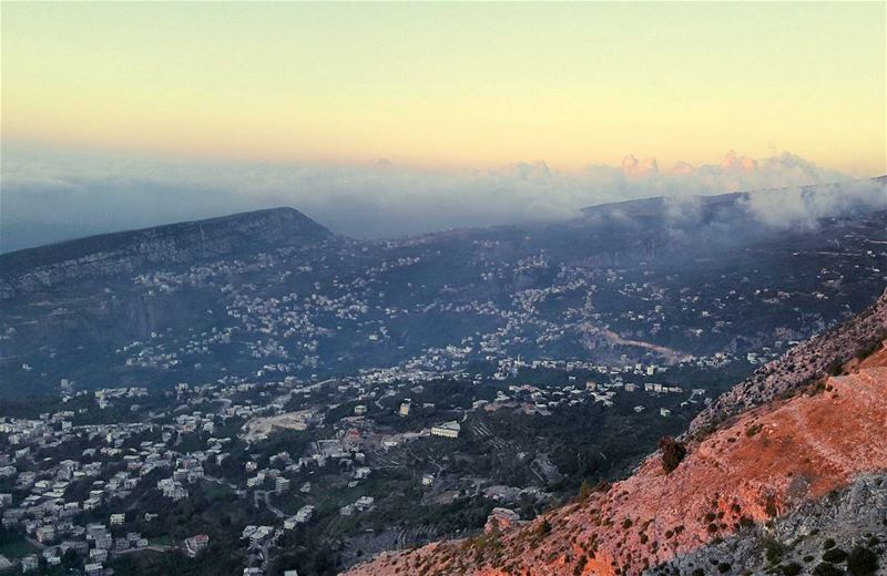 WOW view from the high altitude of Dannieh's mountains Sunset Lebanon ... (Bkaa Safreïn, Liban-Nord, Lebanon)