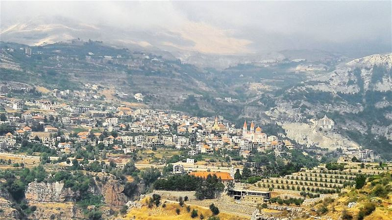 Bsharri, what a beautiful village! WOW Bcharri Lebanon Lebanese ... (Bcharri, Liban-Nord, Lebanon)