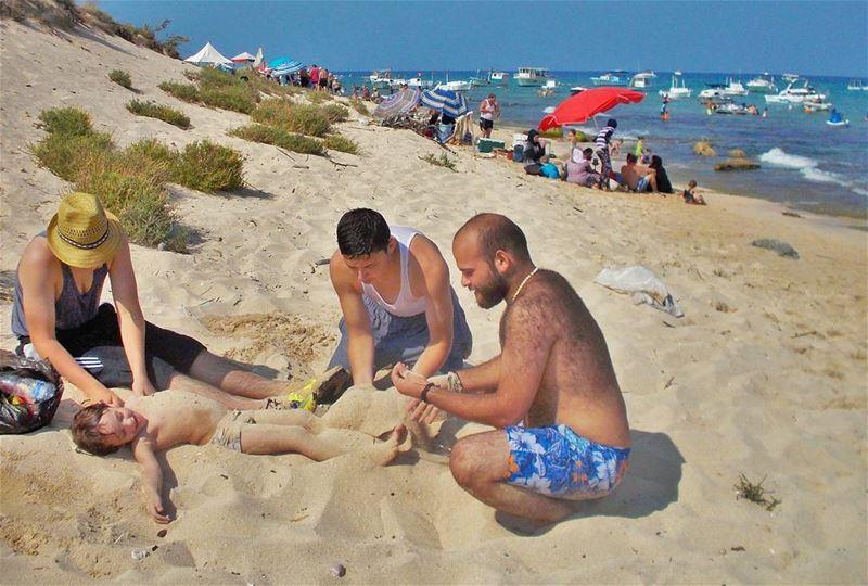 Playing on the Rabbits island 🌊🌊🌊 Beautiful Sandy Beach Beaching ... (Palm Island)