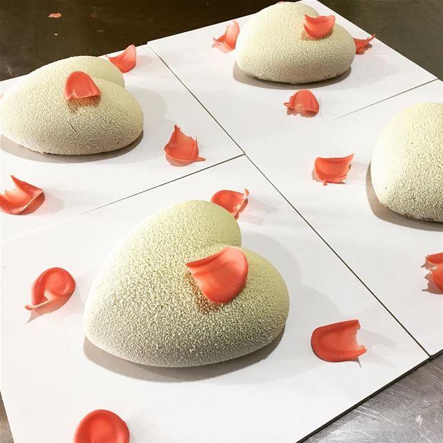 Coeurs de la Saint Valentin au départ ! 🚙💕 chef clementtannouri ...