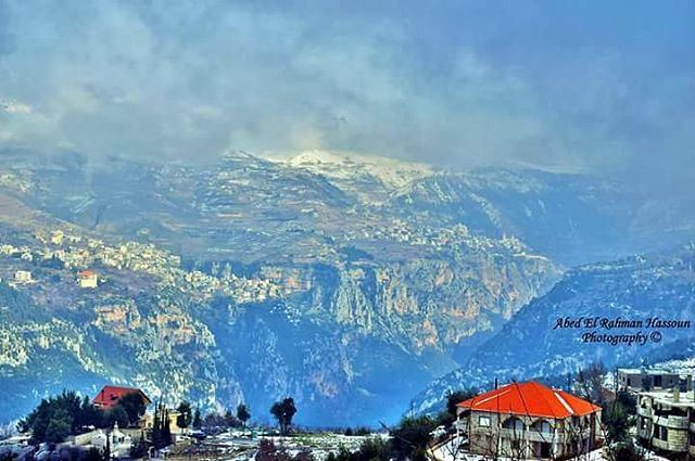 This night is gonna be snowy in Bsharri district❄❄❄   Like my photography... (Bcharri, Liban-Nord, Lebanon)