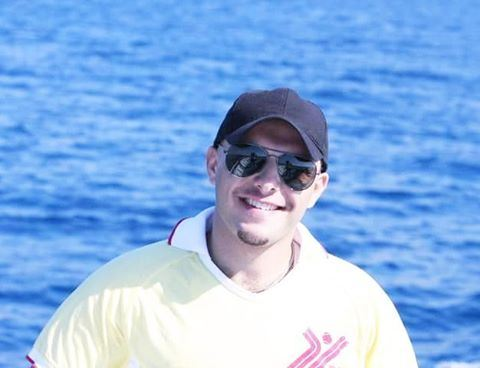 Hello....it's me Salut Coucou Portrait Me Myself Mediterranean ...