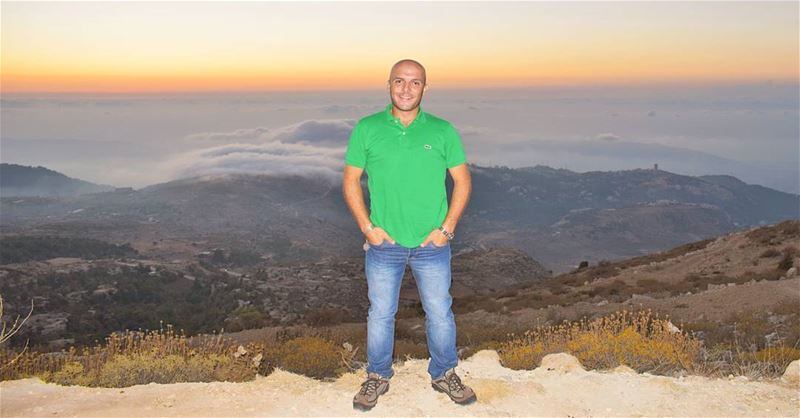 Cheers from above the clouds.... WOW Sunset Lebanon Lebanese man ... (Bkaa Safreïn, Liban-Nord, Lebanon)