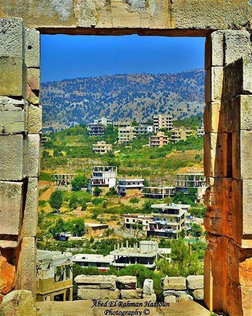 هناك أوقات نشعر فيها أنها النهاية ثم نكتشف أنها البداية و هناك أبواب نشعر ب (Al Sfireh)
