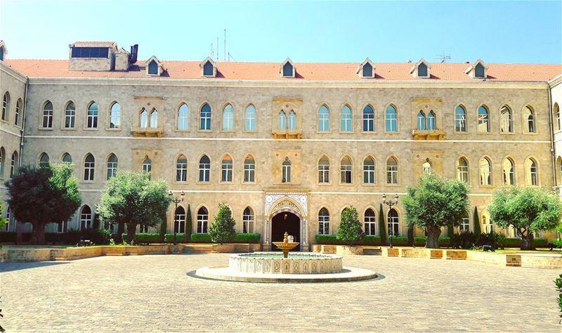 Nice architecture! Lebanon Hot Beirut Liban LiveLoveBeirut ... (السراي الحكومي)