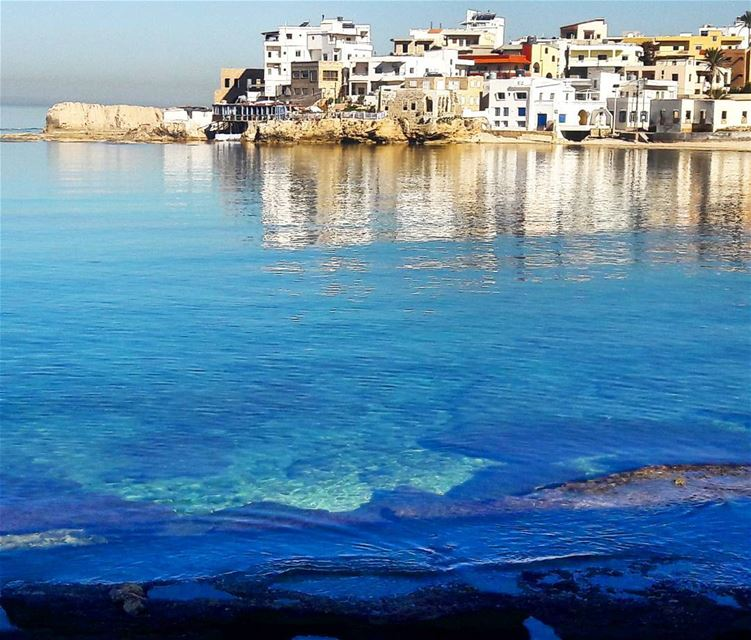 A calm sea and an amazing reflection. What a great weather! Batroun ... (Batroûn)