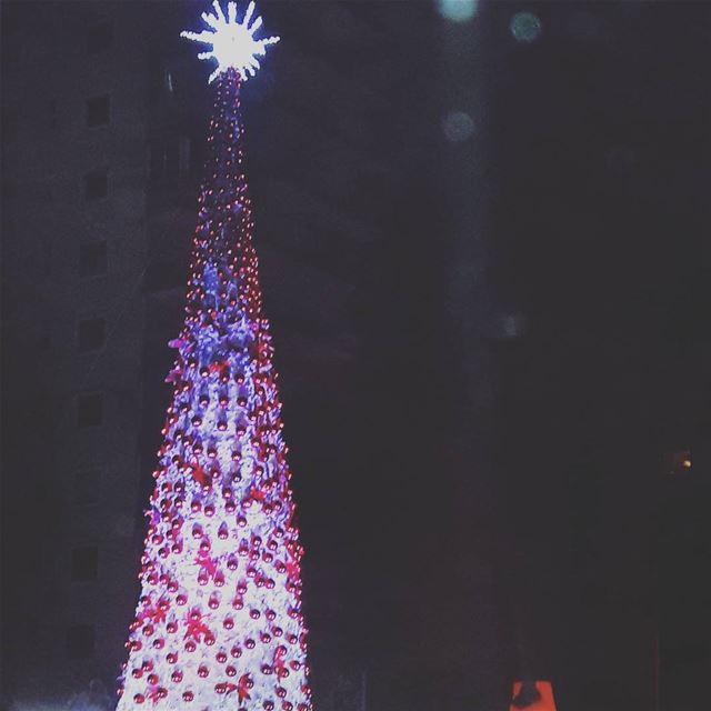أجواء الميلاد من طرابلس TripoliLB livelovedecember LiveLoveLebanon ... (Tripoli, Lebanon)