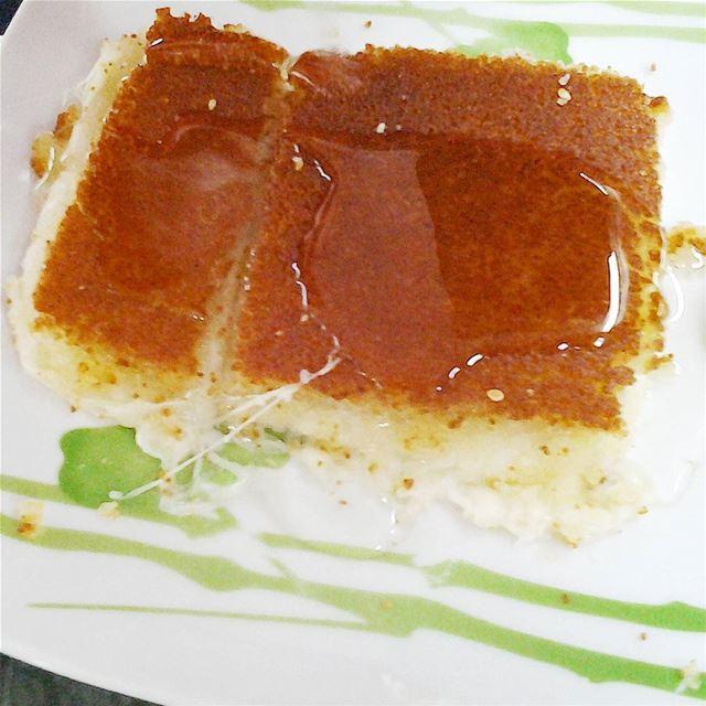 My best kind of breakfast: Knefeh bjebneh.Good morning sweet-lovers!...