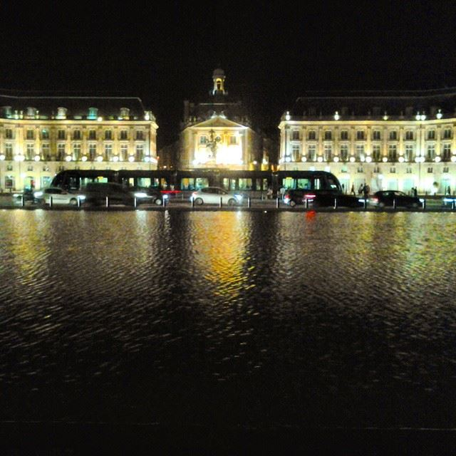 Le petit Paris....Bordeaux Place  PlaceDeLaBourse  Europe  Bordeaux ...