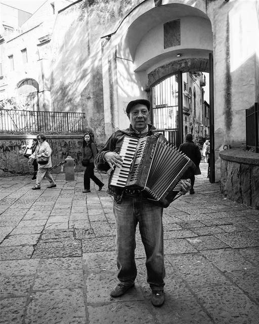 travelphotography travelgram leo love soul myquotes mylebanon ... (Napoli, Italy)