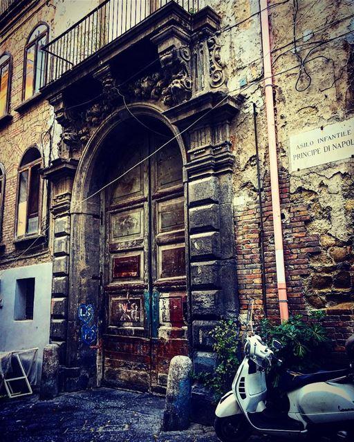 travelphotography travelgram leo love soul desert mydubai mybeirut... (Italia Napoli)