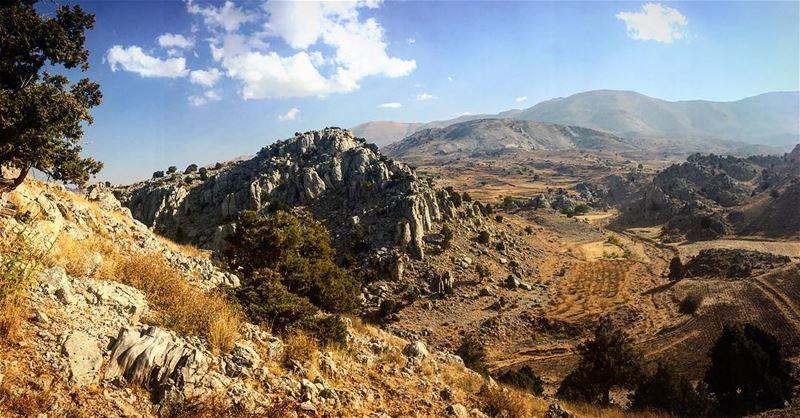 hiking hikingadventure leo love soul desert mydubai mybeirut ... (Syr El Daniyah)
