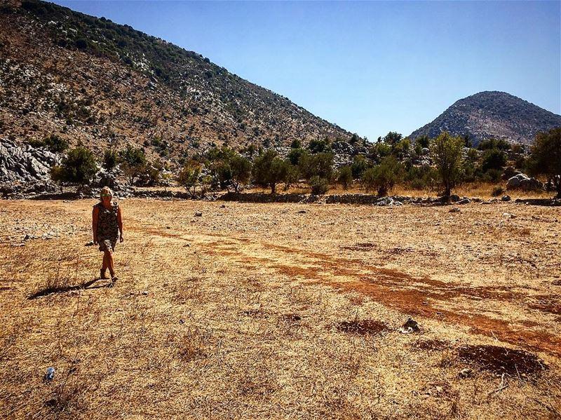 leo love soul desert mydubai mybeirut myquotes mylebanon mywords ... (Mlîkh, Al Janub, Lebanon)